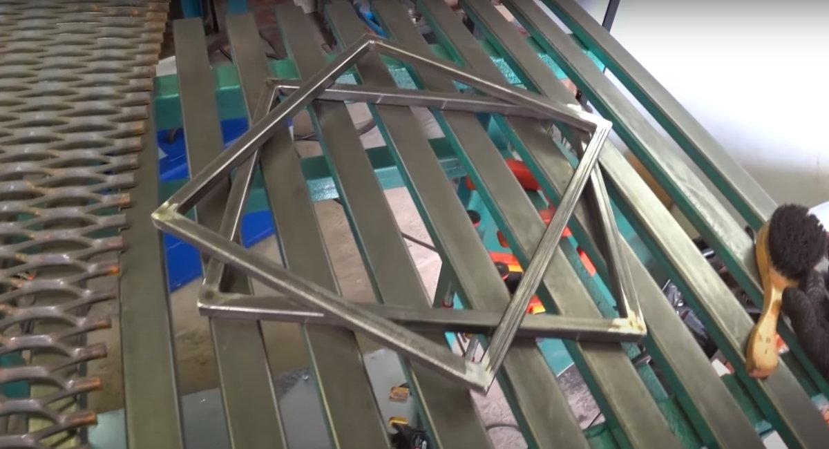 Особенности работы вертикального мангала и как сделать его своими руками