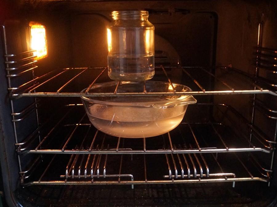 Как почистить духовку от жира и нагара: 4 эффективных способа