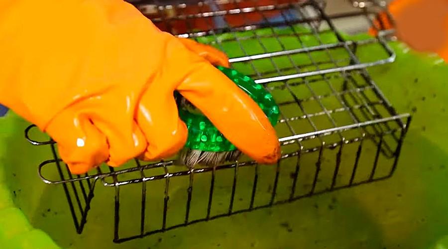Как почистить решетку гриль мылом