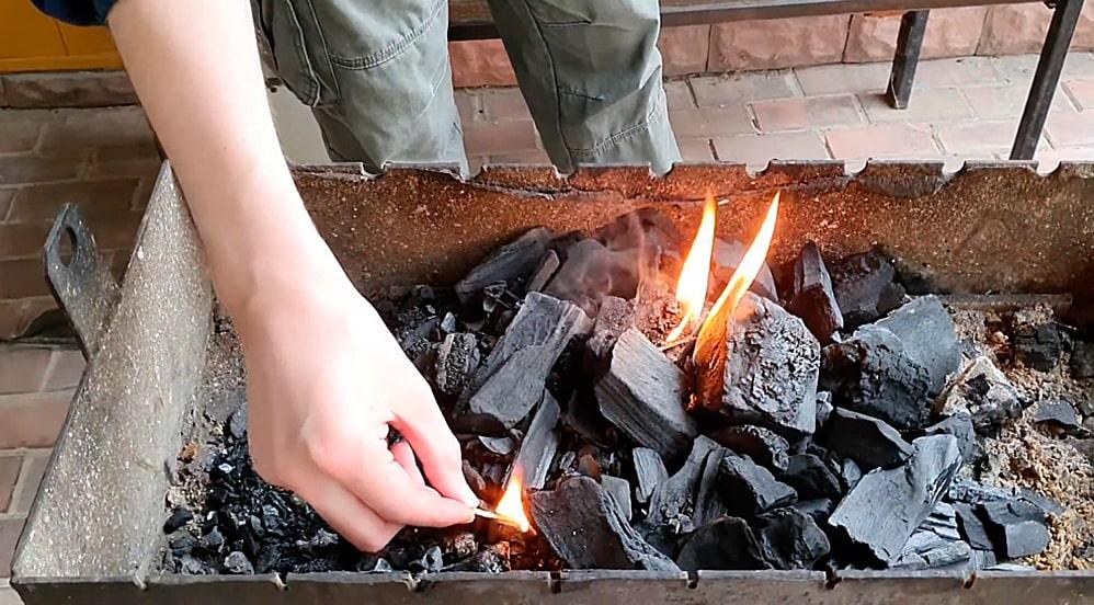 Поджигание углей