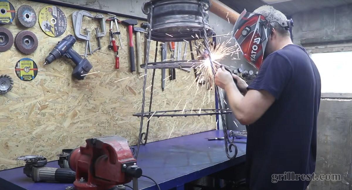 Приваривание решеток