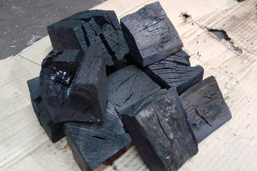 Дубовый уголь