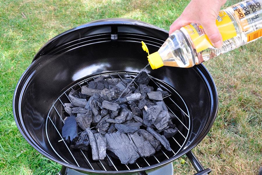 Разжечь уголь жидкостью для розжига
