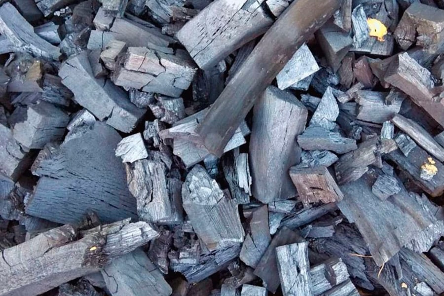 Сосновый уголь