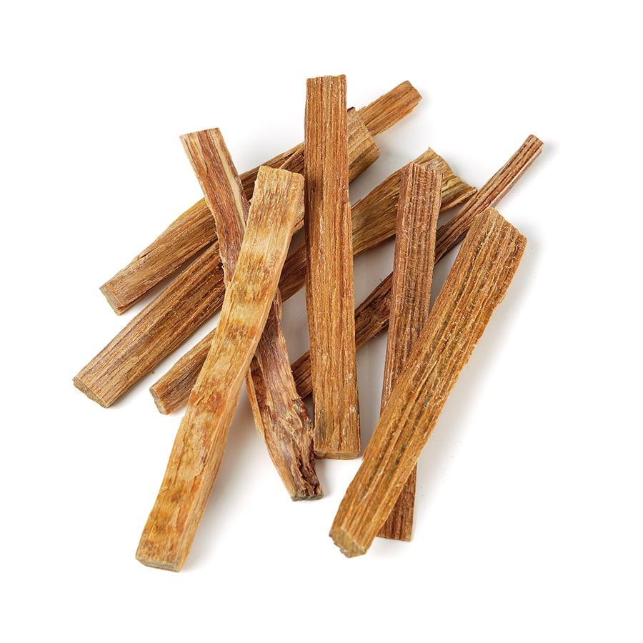Промасленную бумагу или древесную стружку для розжига