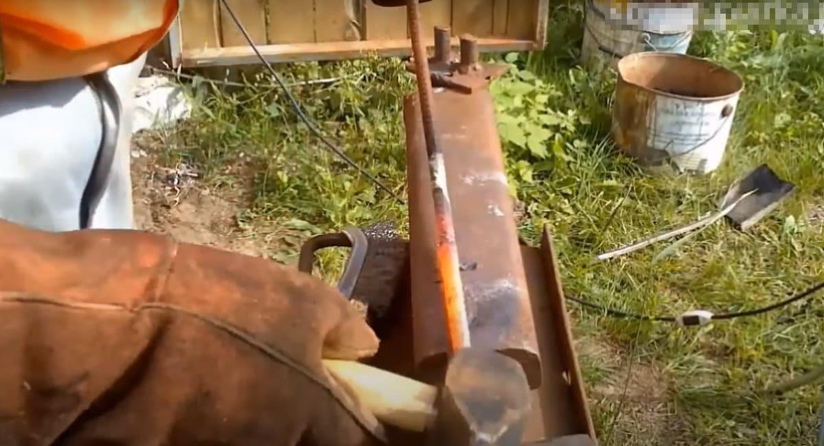 Кочерга из арматуры своими руками: шаг 1