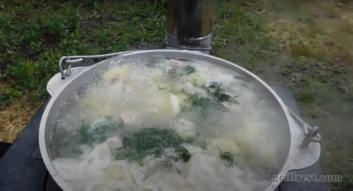 Приготовление пищи в казане