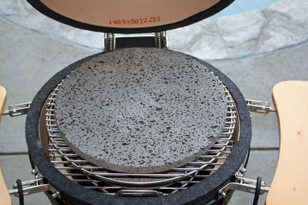 Гриль с круглым камнем для жарки мяса