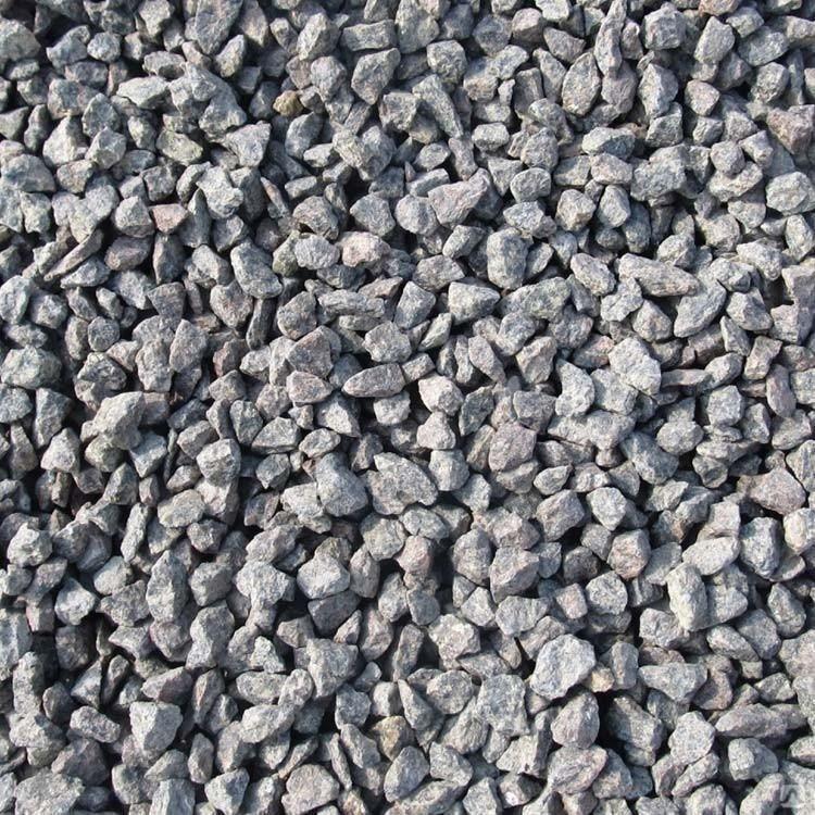 Щебень крупной фракции (можно также использовать битый кирпич, природный камень и гальку крупной)